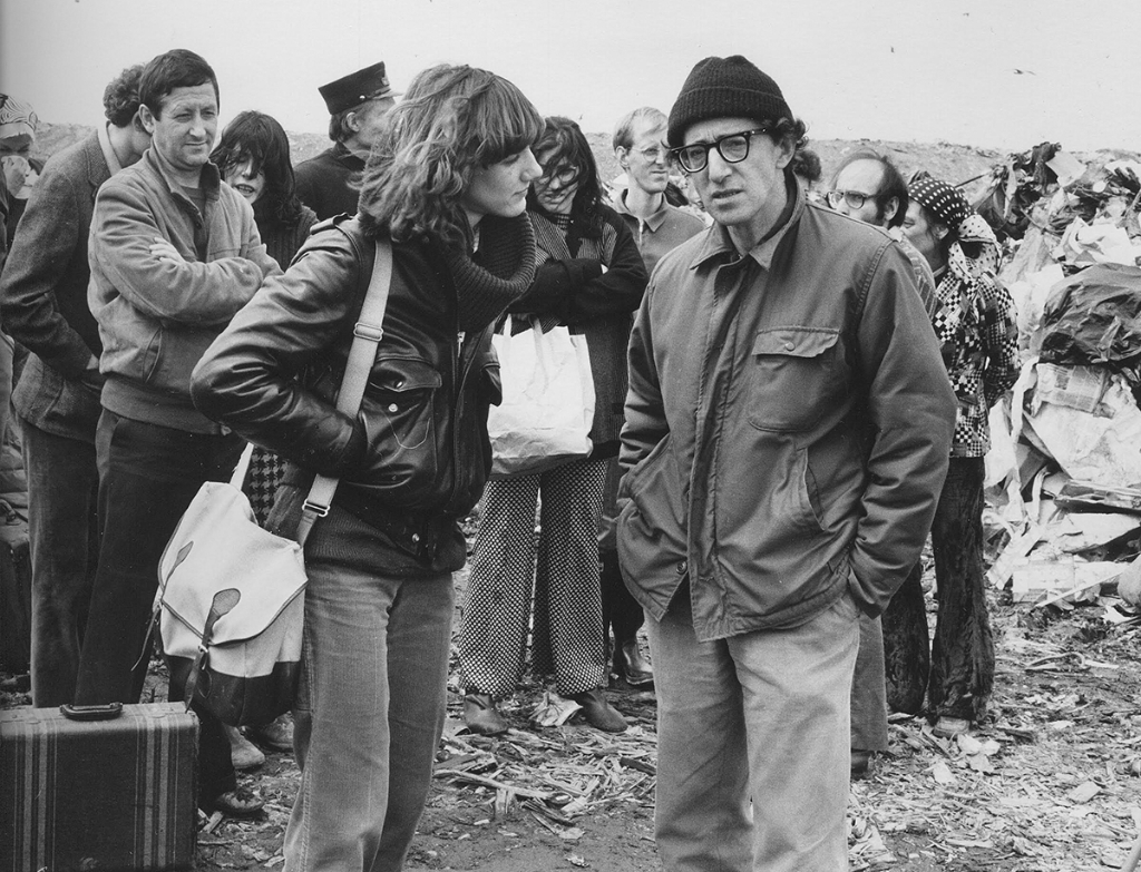 """Stardust"": Norris tete-a-tete's with director Woody Allen on the set of STARDUST MEMORIES (1980)"